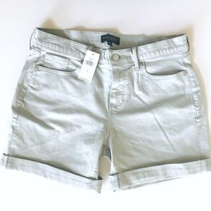 NWT Banana Republic Cuffed Girlfriend Shorts